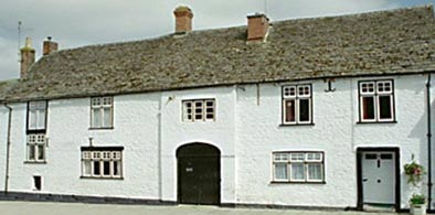 The Three Horseshoes, Crickalde, Wiltshire, with holiday apartment